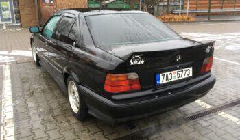 1995  Limuzína BMW 320i full